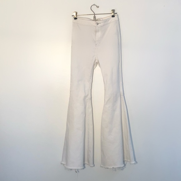 low priced size 40 recognized brands Free People White Jean Bellbottoms